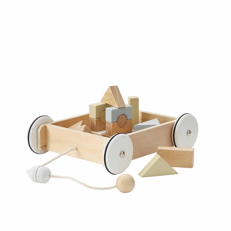 Wagen mit Holzklötzen