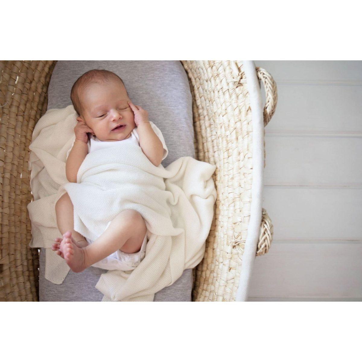 Neugeborenen Bambusdecke
