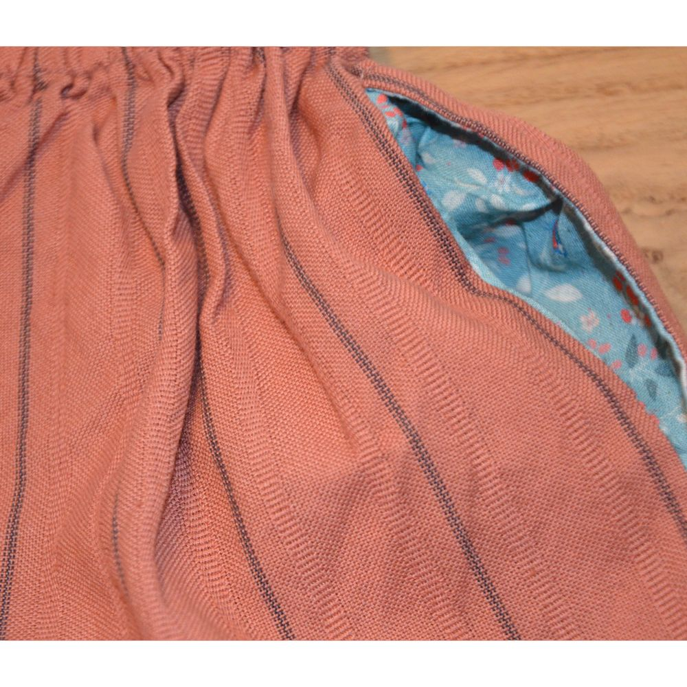Shorts Samantha mit Seitentaschen, Paprikarot gestreift