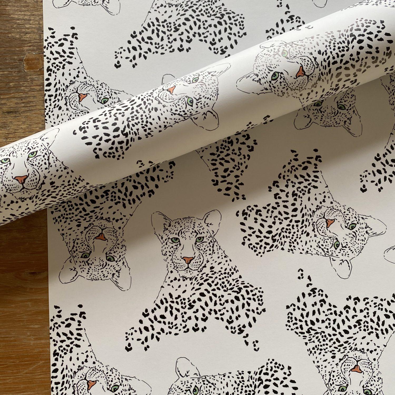 KYUTE Geschenkpapier von illi KIMBU Leopard